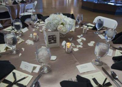 Yet another beautiful table setting.