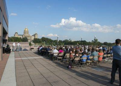 Picture getting married with the beautiful State Capitol of Iowa as your backdrop.