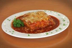 baratta's italian restaurant baked lasagna