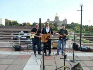 cafe barattas tunes on the terrace des moines music