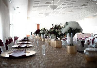 A decorate wedding head table at Forte wedding venue.